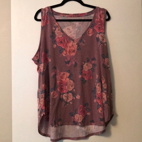 Size 2 Maurice's floral tank